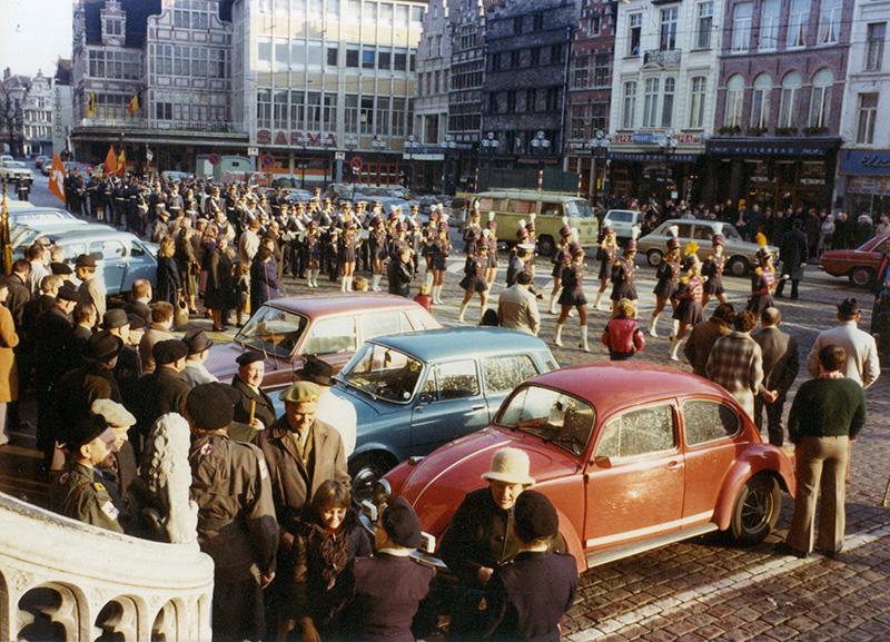 korenmarkt-gent-autos-postharmonie.jpg