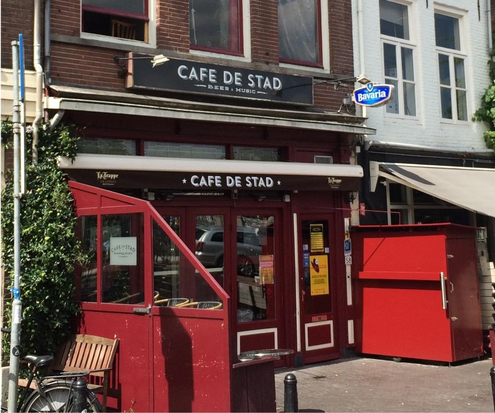 café de stad - horizontaal